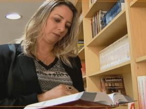 Adriane Bramante dá entrevista para o Jornal da Record