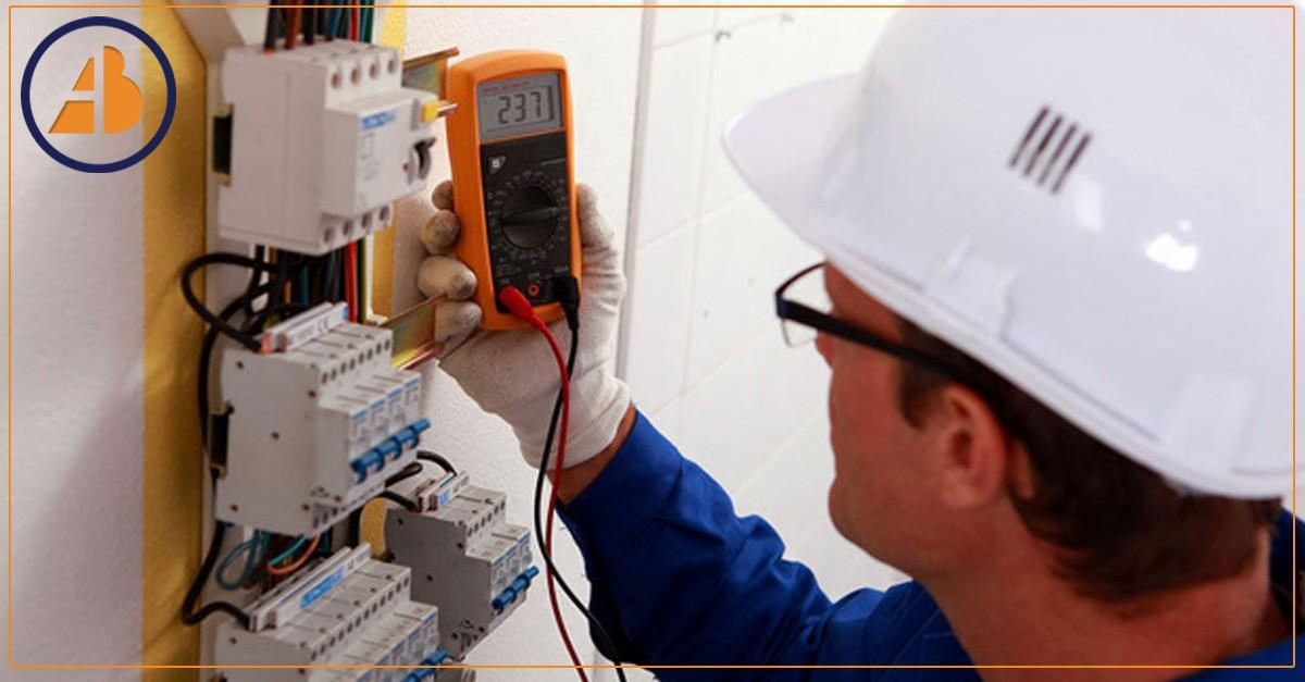 Aposentadoria especial de eletricitário extingue contrato de trabalho com empregadora