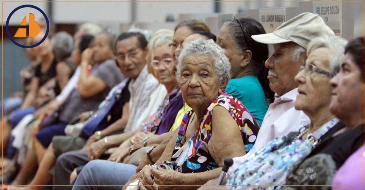 Aposentados sofrem para garantir seus direitos no Brasil